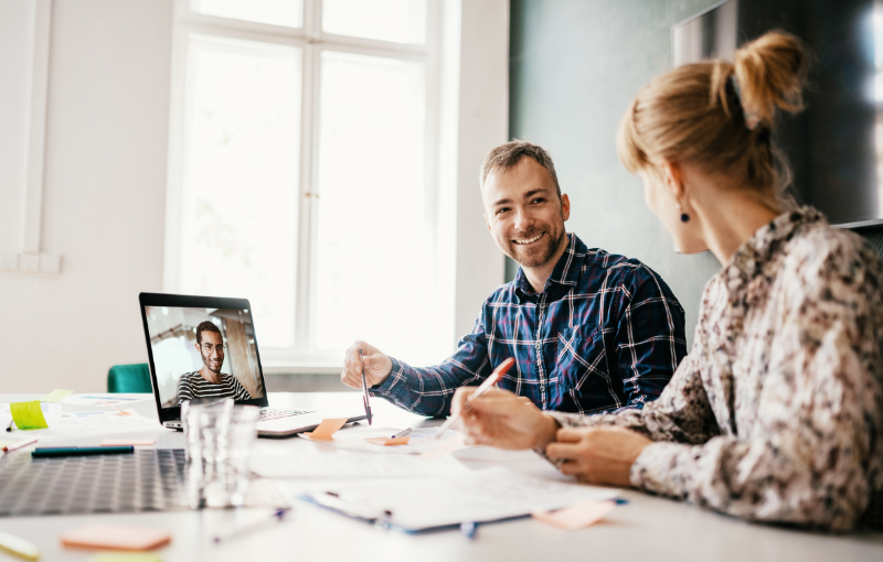 Why Your HR And Marketing Team Needs To Work Together